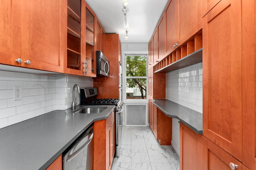New York City Real Estate | View Congress Street | room 3