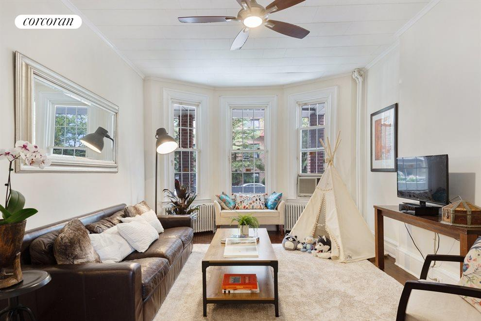 Welcoming + bright living room
