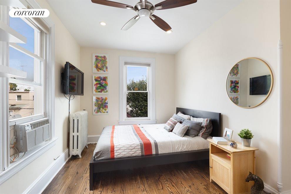 Master bedroom has double exposures
