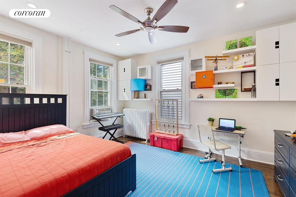 Huge 2nd bedroom with 3 windows