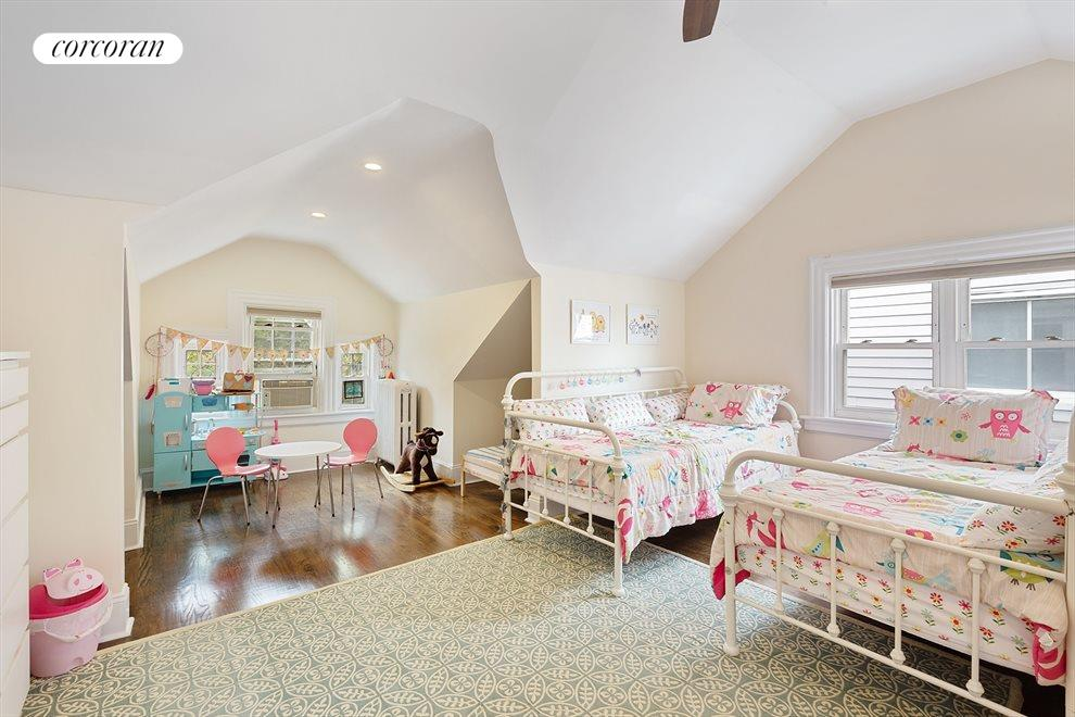 Top floor used as a wondrous kid's bedroom