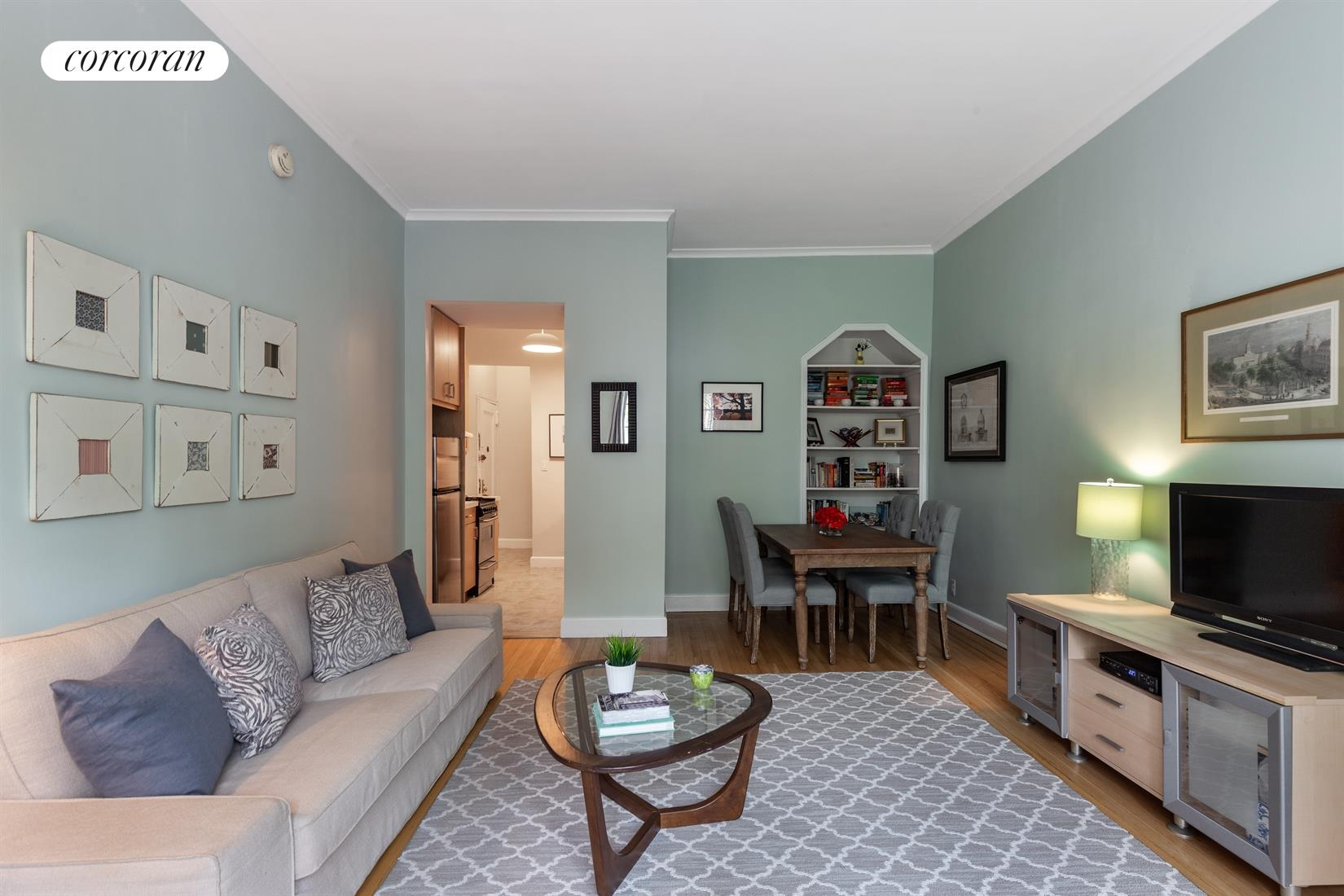 299 Henry Street, 2C, Bright and Spacious Living Room