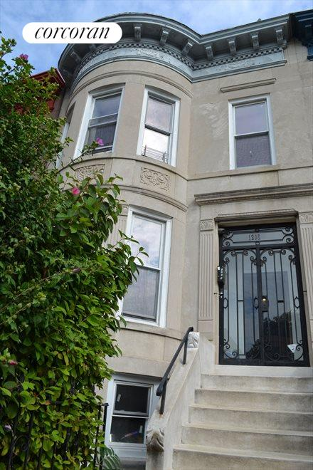 3 Story Barrel Front Townhouse