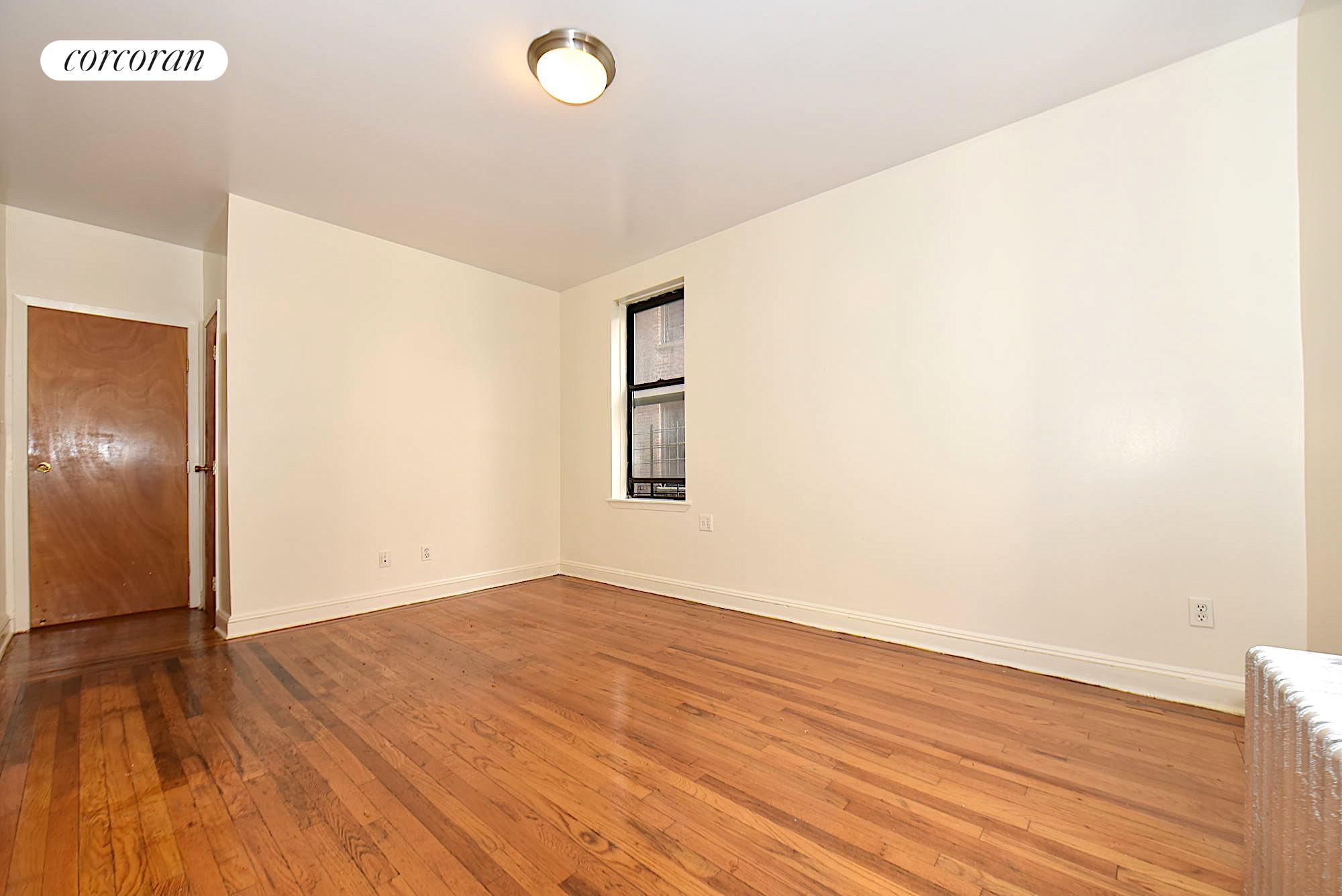 2695 Briggs Avenue Interior Photo