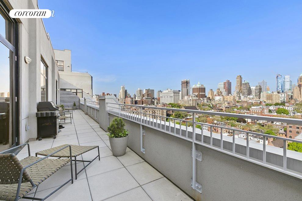 550 sf terrace