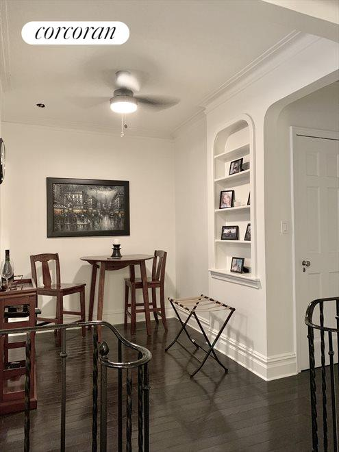 Separate dining area, great for entertaining