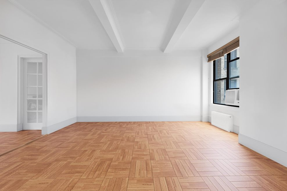 New York City Real Estate | View West End Avenue | 3 Beds, 2 Baths