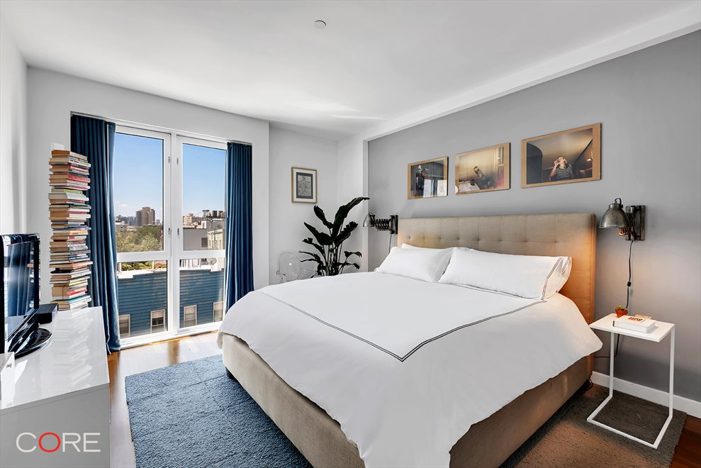 New York City Real Estate | View North 10th Street | room 10