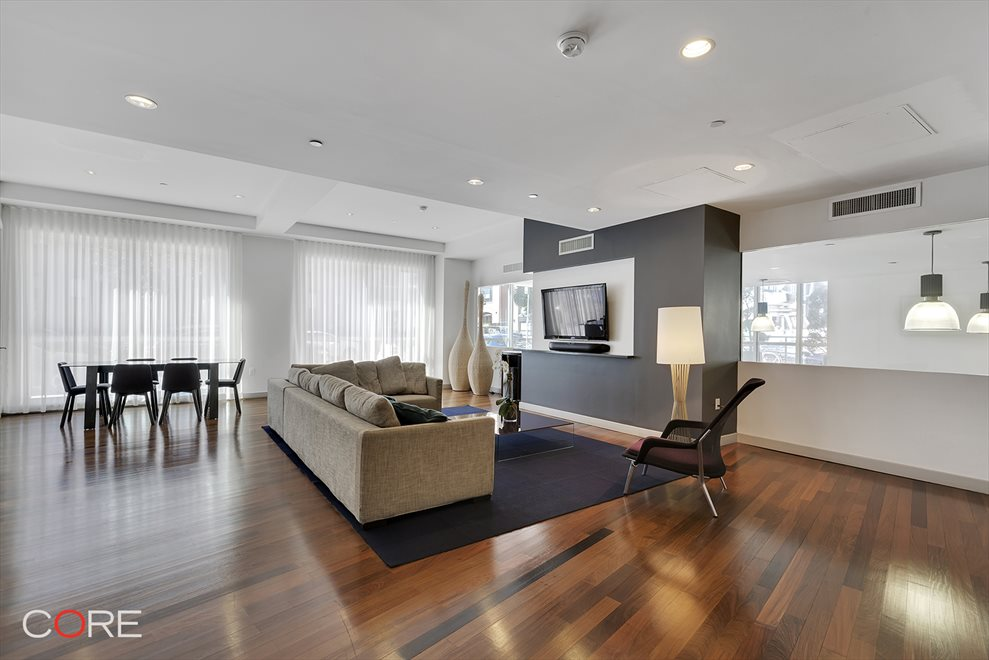 New York City Real Estate | View North 10th Street | room 13
