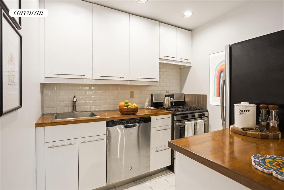 New York City Real Estate | View 426 13th Street, #2D | Renovated