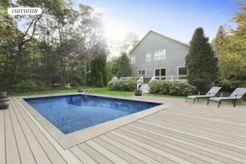 The Hamptons Real Estate | View 15 Country Ln | 3 Beds, 2.5 Baths