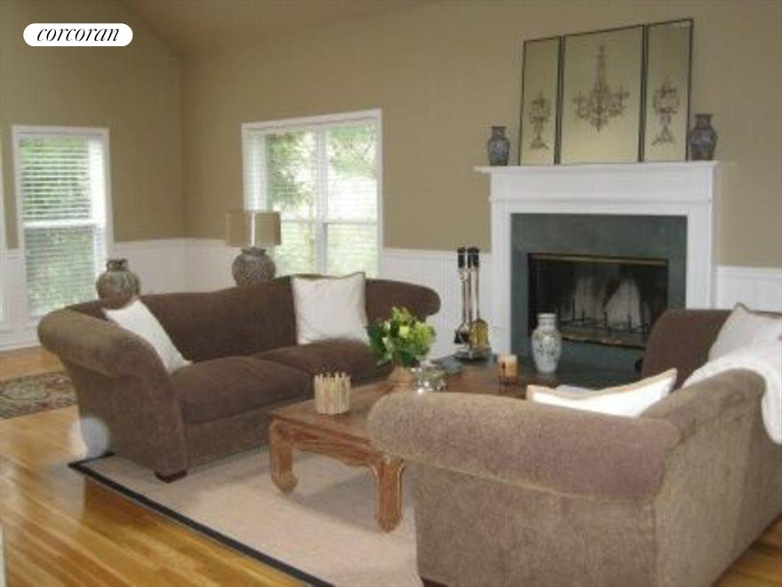 The Hamptons Real Estate | View 15 Country Ln | Great Room