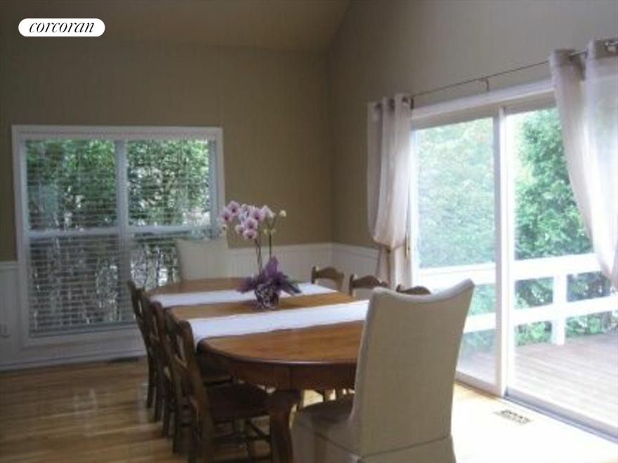 The Hamptons Real Estate | View 15 Country Ln | Dining area