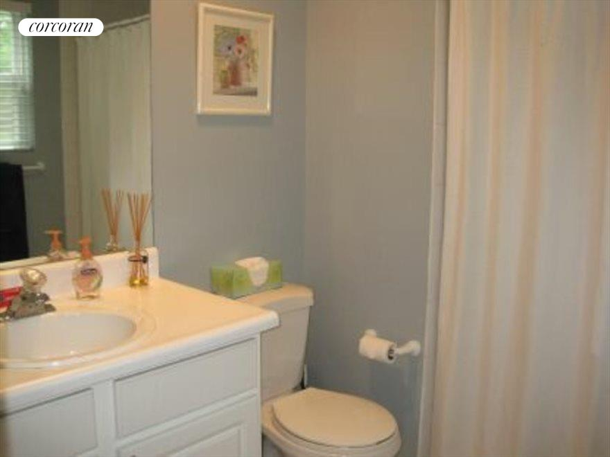 The Hamptons Real Estate | View 15 Country Ln | Downstairs master bath