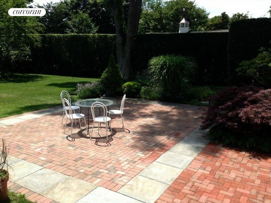 Brick dining terrace