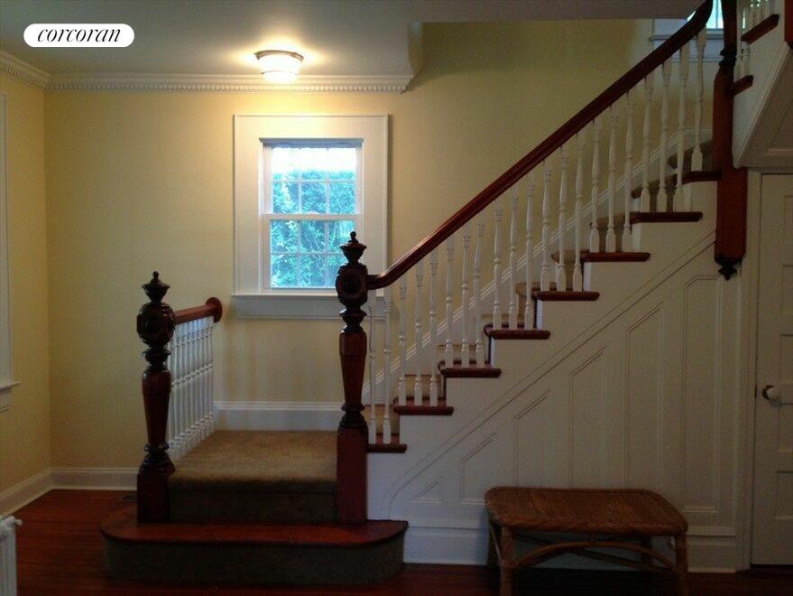 Gracious foyer