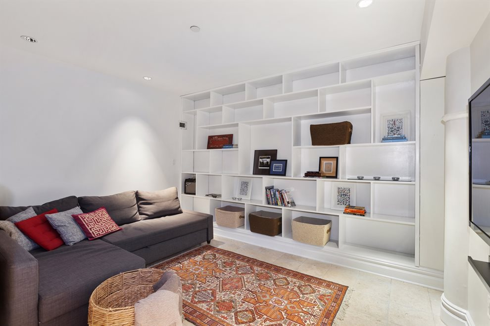 Entertainment room with custom built ins