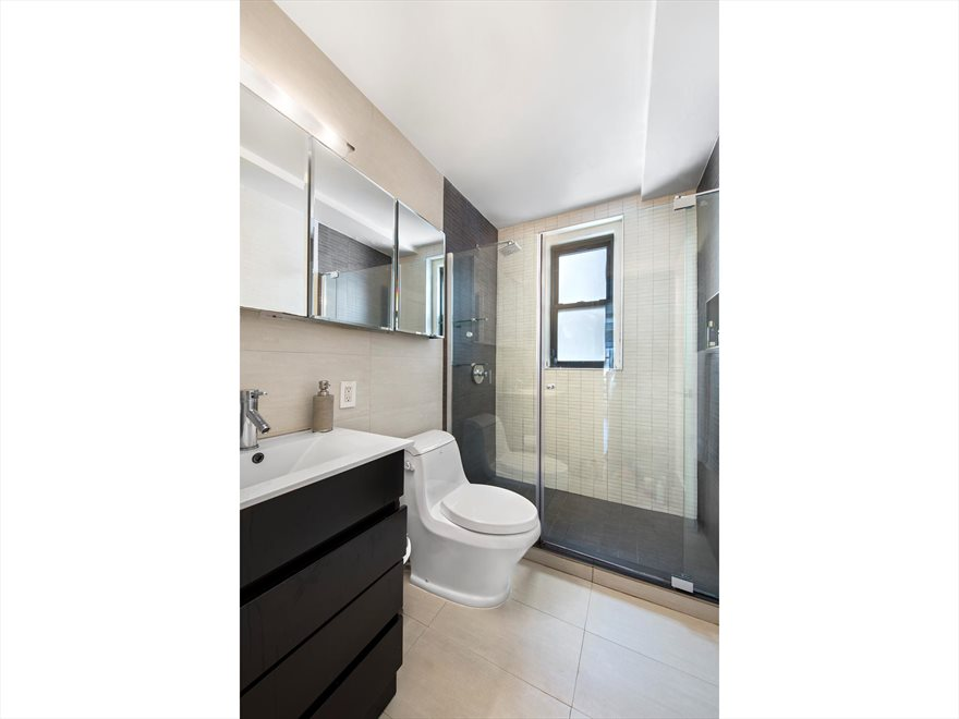 New York City Real Estate | View East 59th Street | room 4