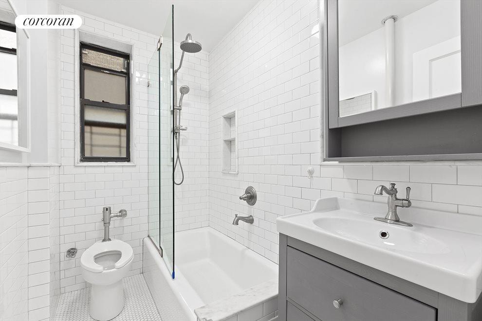 Beautiful Windowed Bathroom