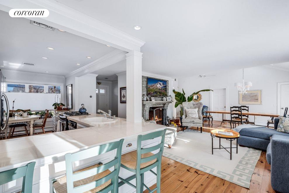 The Hamptons Real Estate | View 4260 Noyac Rd | room 3