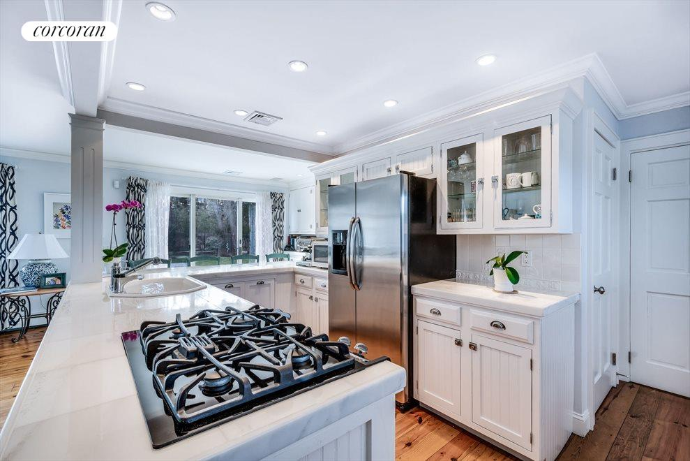 The Hamptons Real Estate | View 4260 Noyac Rd | room 4