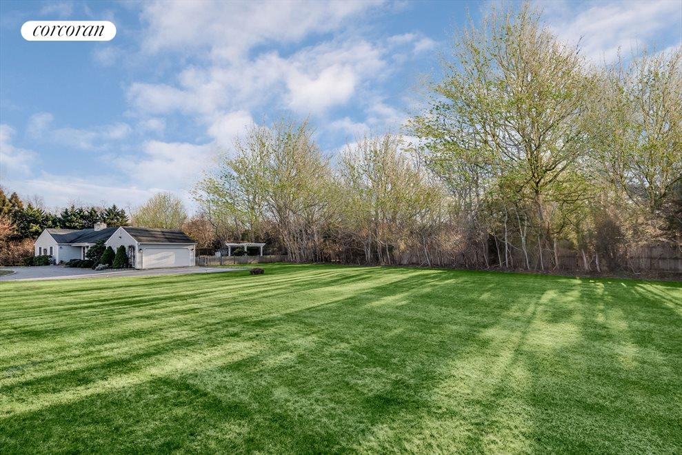 The Hamptons Real Estate | View 4260 Noyac Rd | room 14