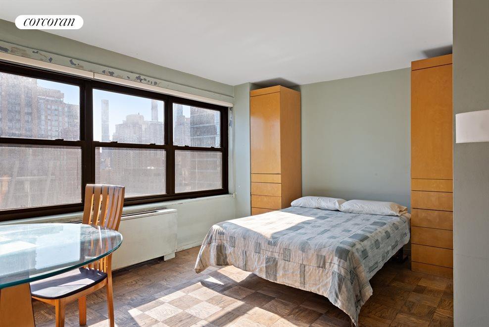 Living Room / Alcove area
