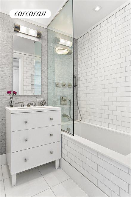 New York City Real Estate | View 1965 Broadway, #PH2B | Ensuite Bathroom
