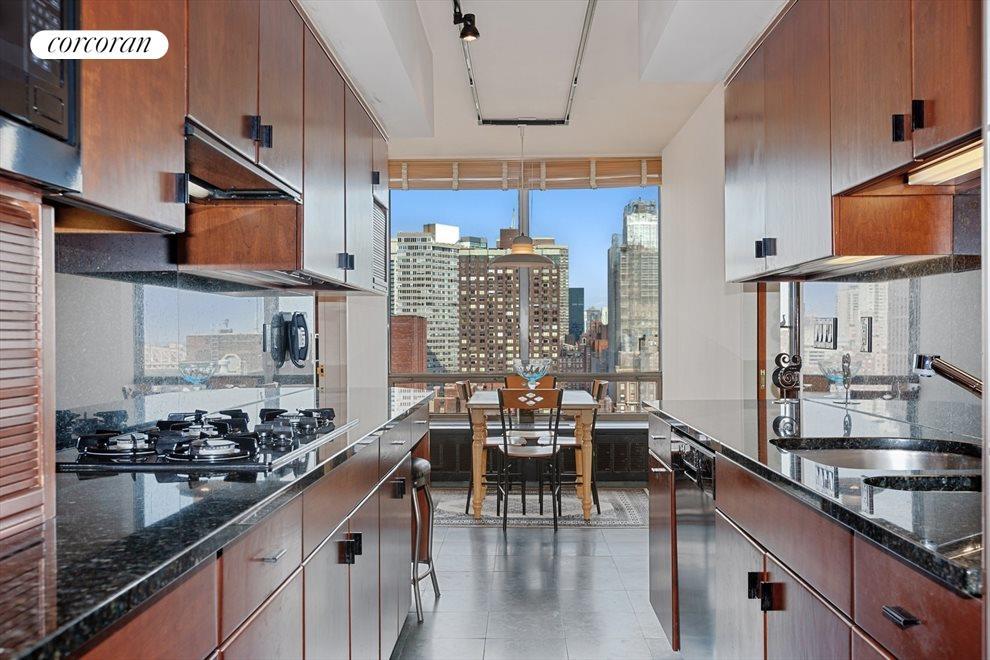 Eat-In-Kitchen With Amazing Views of Manhattan