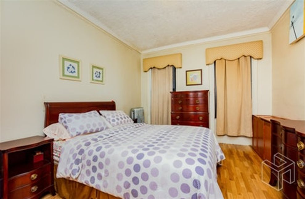 New York City Real Estate | View West 179th Street | room 22