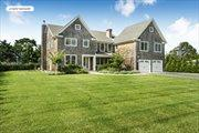 19 Knollwood Dr, Southampton