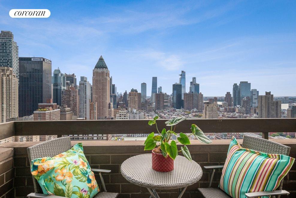 Hudson Yard and Downtown Views