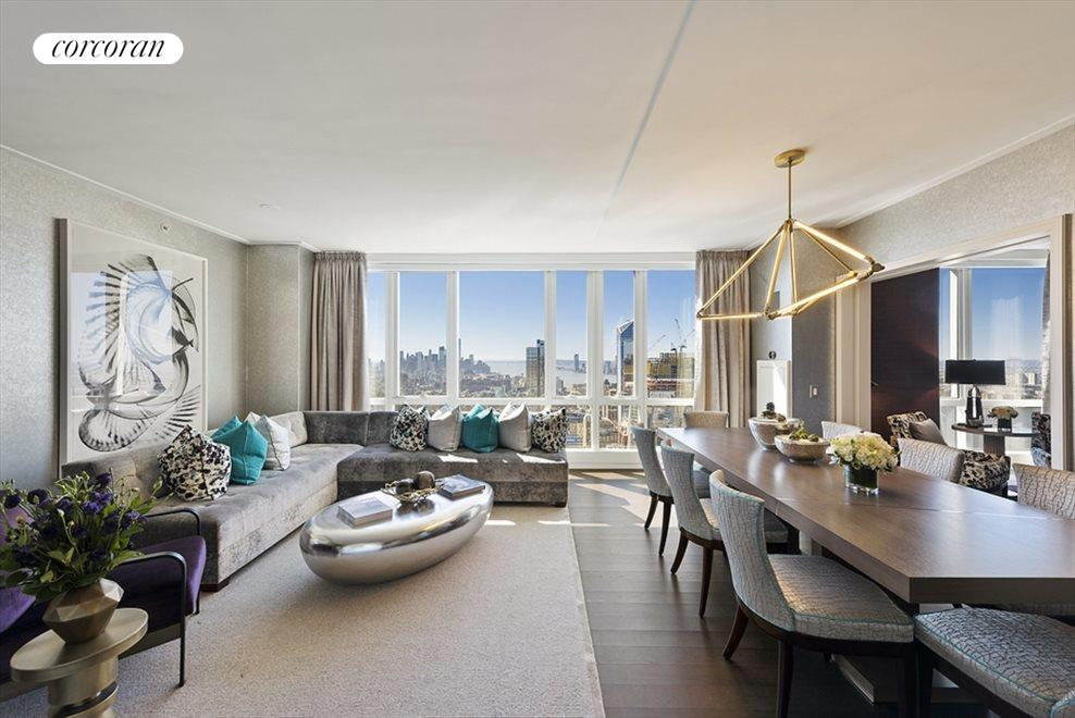 Panoramic Southern curve views of Manhattan