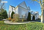 15 Concerto Ct, Eastport