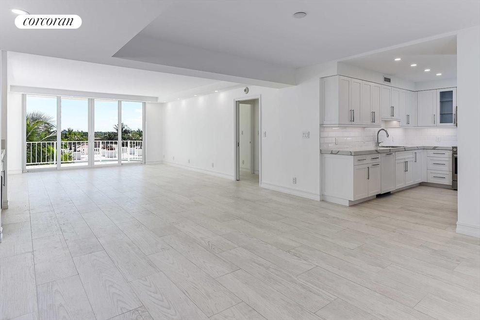 South Florida Real Estate | View 100 Worth Avenue #605 | room 2