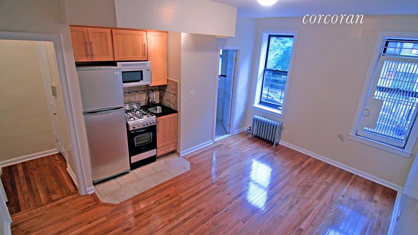 267 Edgecombe Avenue Interior Photo
