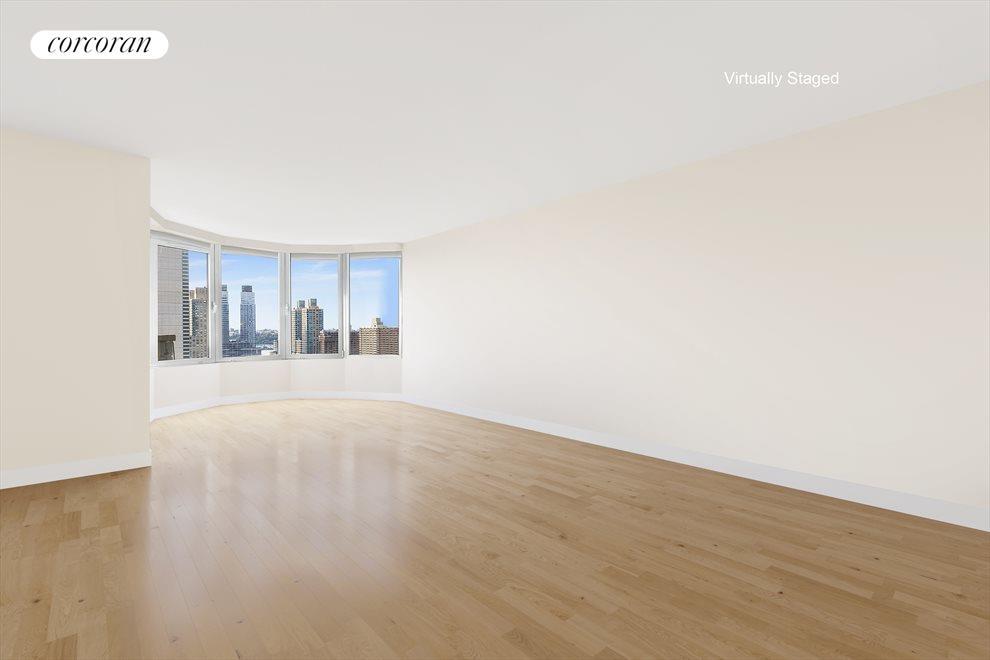 25 ft Living Room has 180 degree views bay window
