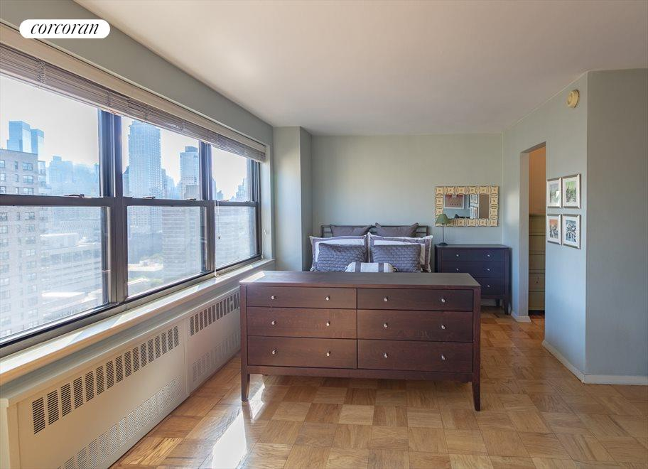 New York City Real Estate | View 165 West End Avenue, #26L | room 3