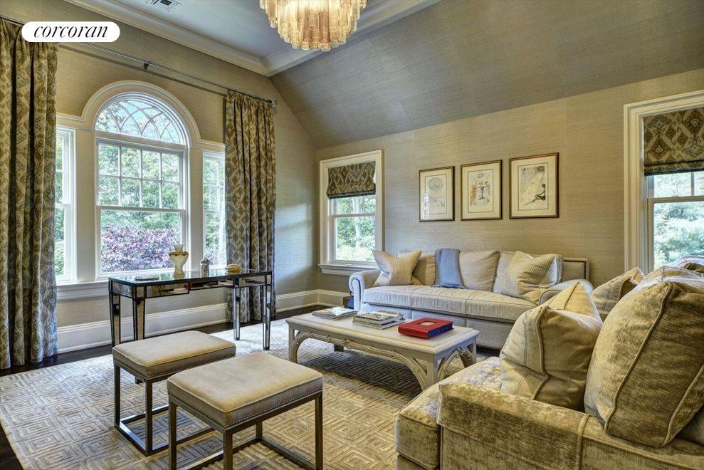 master bedroom sitting room