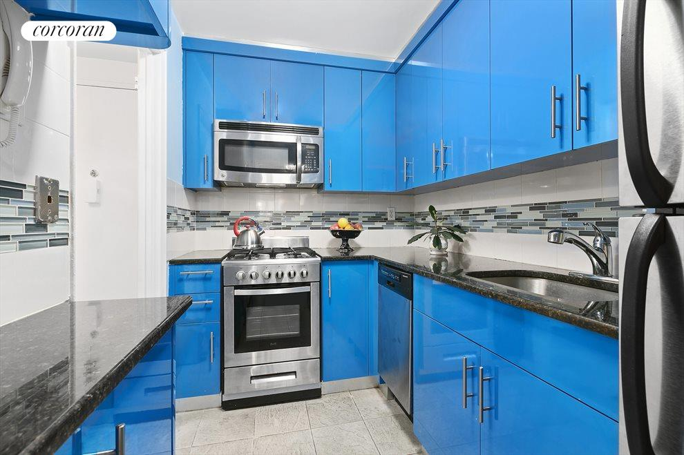 Exciting kitchen that was recently renovated!