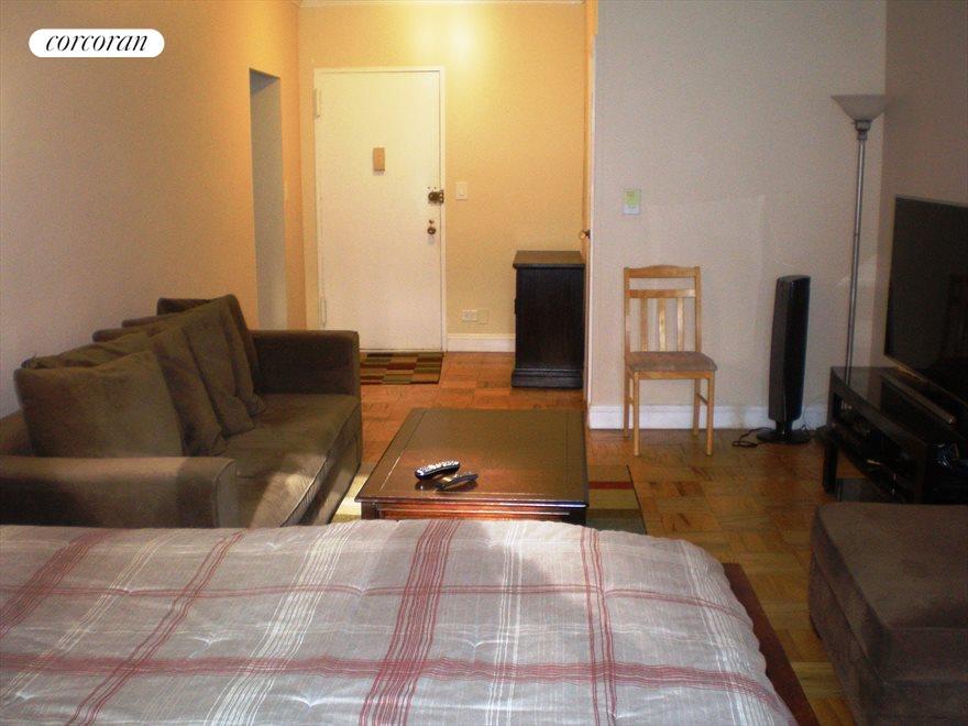 14V-Living Room