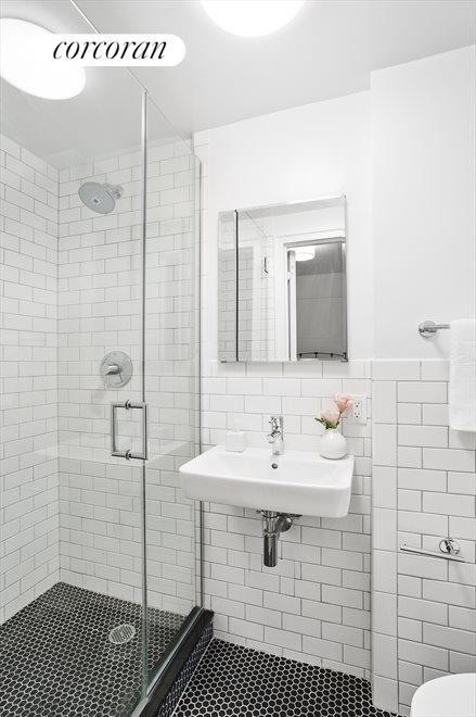 En-Suite 2nd Bathroom