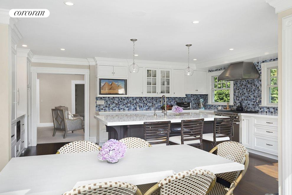 Eat-in-Kitchen, off Screened-In Porch