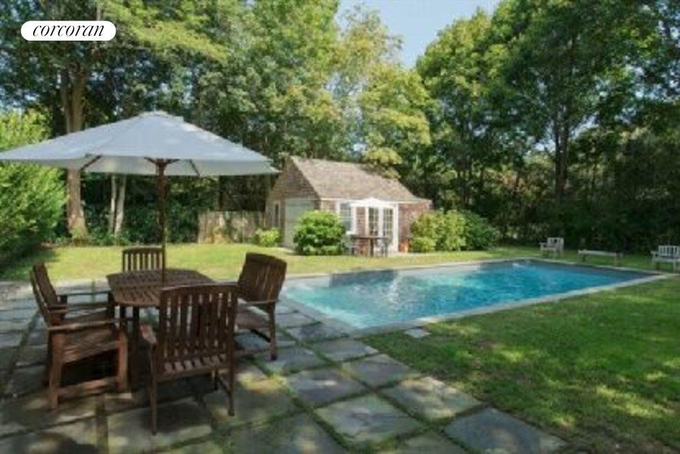 pool/pool house