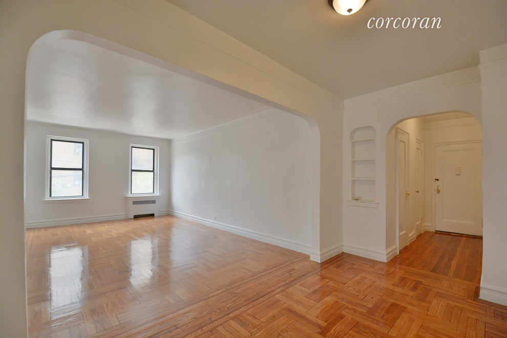 3000 Valentine Avenue Interior Photo