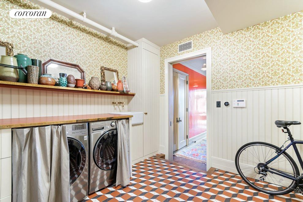 Oversized Vented Laundry Room