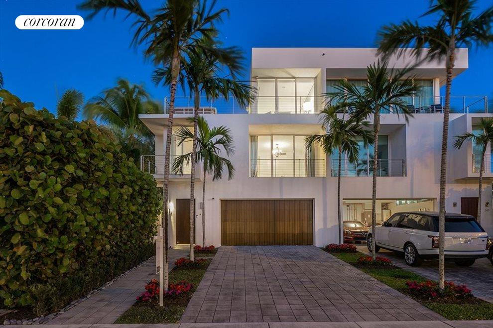 South Florida Real Estate | View 243 Venetian Drive | room 4
