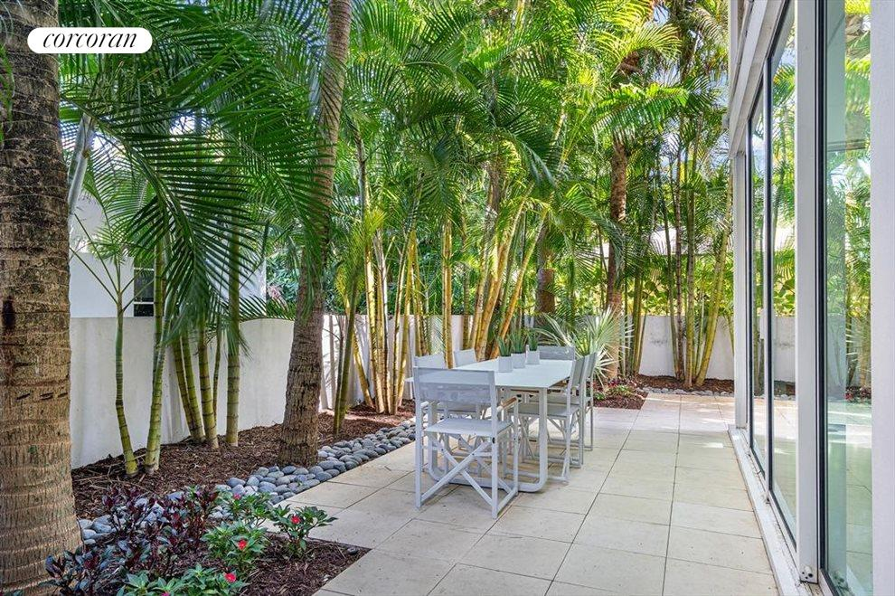 South Florida Real Estate | View 243 Venetian Drive | room 20