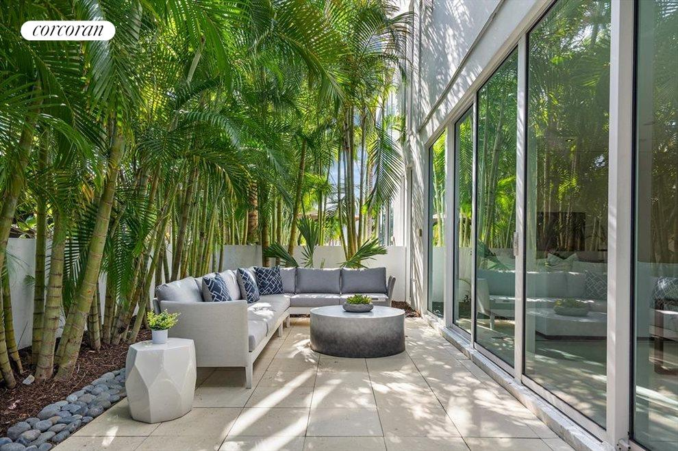 South Florida Real Estate | View 243 Venetian Drive | room 21