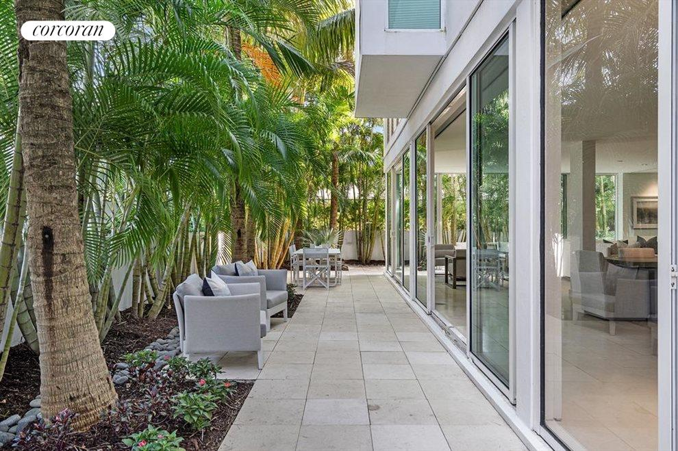 South Florida Real Estate | View 243 Venetian Drive | room 24